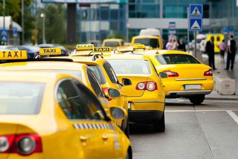 Как выбрать авто для работы в такси?